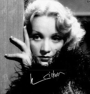 290px-Marlene_Dietrich_(26)